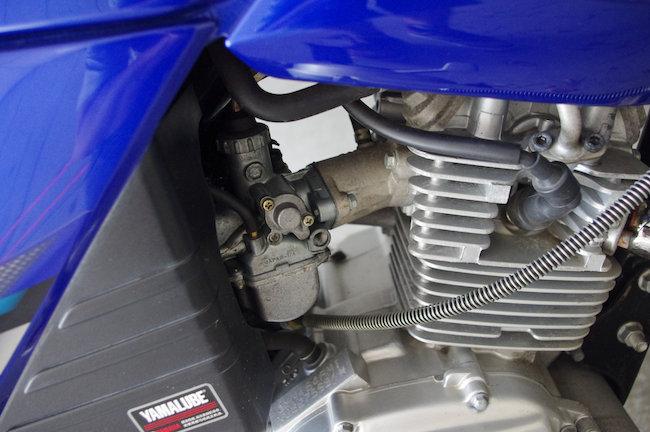 YBR125 エンジン キャブレータ 周辺